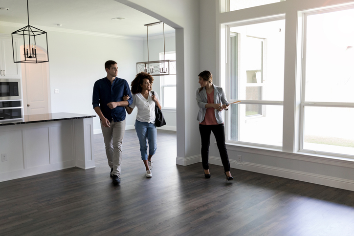 THE PROS AND CONS OF HOUSE SELLING METHODS